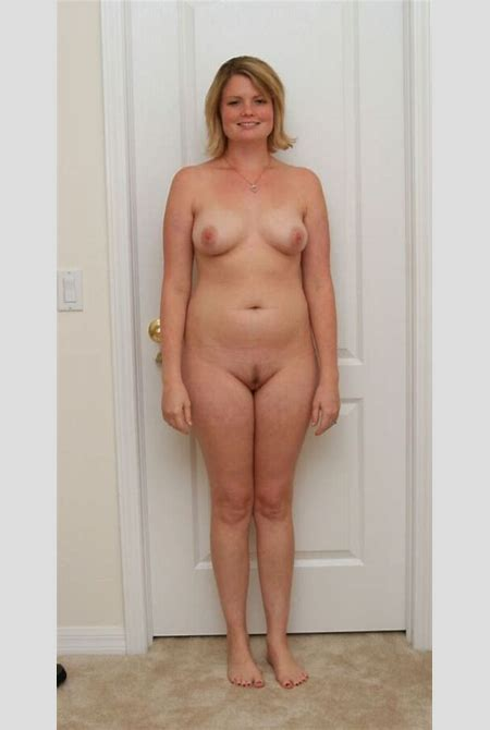 Amateur Milf Standing Naked