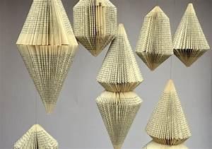 Aus Büchern Falten : hanging ornament of folded books buecher b cher falten und papier falten ~ Bigdaddyawards.com Haus und Dekorationen