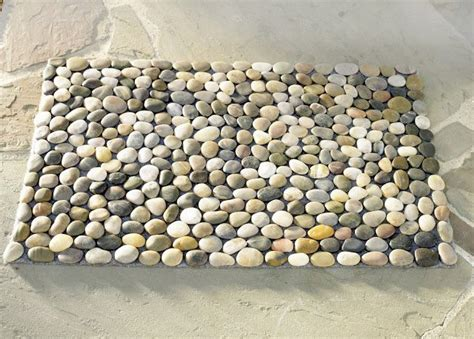 Pebble Doormat by How To Make A Diy Pebble Bath Mat