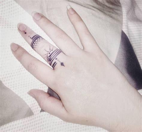 finger tattoo design   men  women