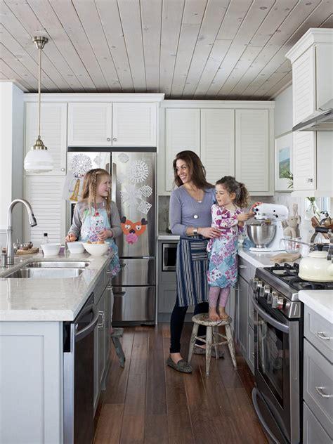 richardson cottage kitchen photo page hgtv 5073