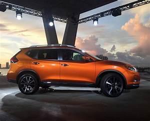 2017 Nissan Rogue debuts at Miami Auto Show  2017