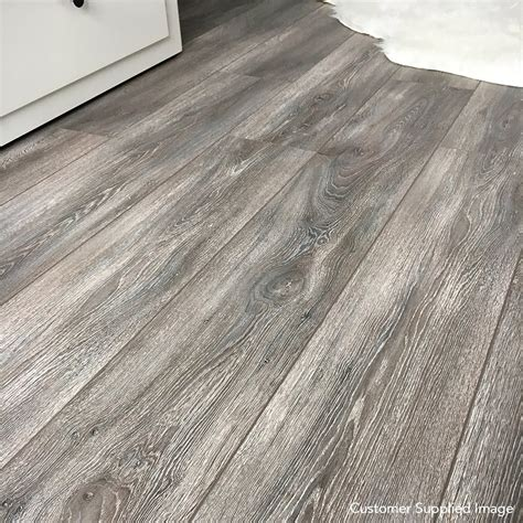 xpert pro laminate flooring balterio xpert pro 12mm virginia oak 019 v groove ac5 1 4367m2