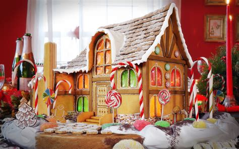 Wallpaper Gingerbread House by 41 Gingerbread House Wallpaper On Wallpapersafari