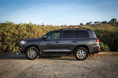 Review Toyota Land Cruiser by 2018 Toyota Land Cruiser One Week Review Automobile Magazine