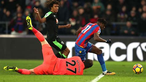 Angry Everton Fans Call for Crystal Palace Star Wilfried ...