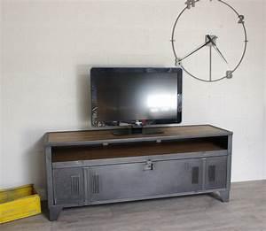 Meuble Industriel But : meuble tv industriel vestiaire avec authentique vestaire ~ Teatrodelosmanantiales.com Idées de Décoration