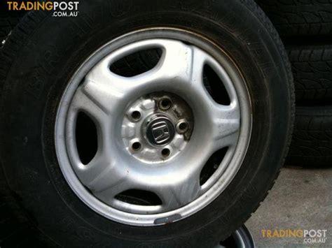Honda-crv-15-inch-steel-rim-and-tyre