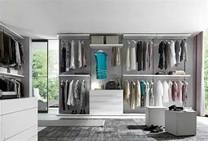 Kleiderschrank Weiß Grau : begehbarer kleiderschrank der traum jeder frau ~ Buech-reservation.com Haus und Dekorationen