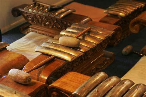 Itulah beberapa jenis alat musik jawa tengah. 33 Alat Musik Tradisional Indonesia | Berdasarkan Provinsi Yang Ada