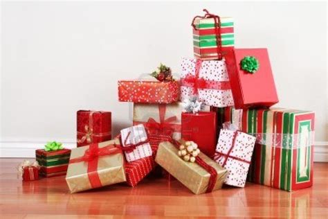thm wrappedchristmaspresents the harried mom