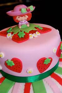 MKHKKH: Strawberry Shortcake Cake
