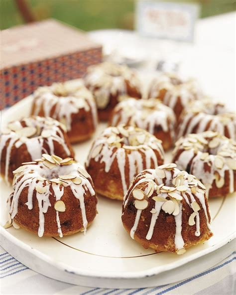 These mini bundt cakes make the perfect centerpiece for your brunch table! Mini Almond Bundt Cakes | Recipe in 2020 | Almond bundt ...