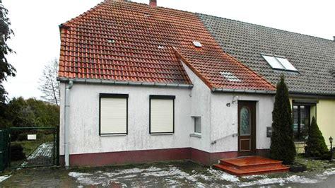 Modernisiertes Einfamilienhaus Auf Großem Grundstück In