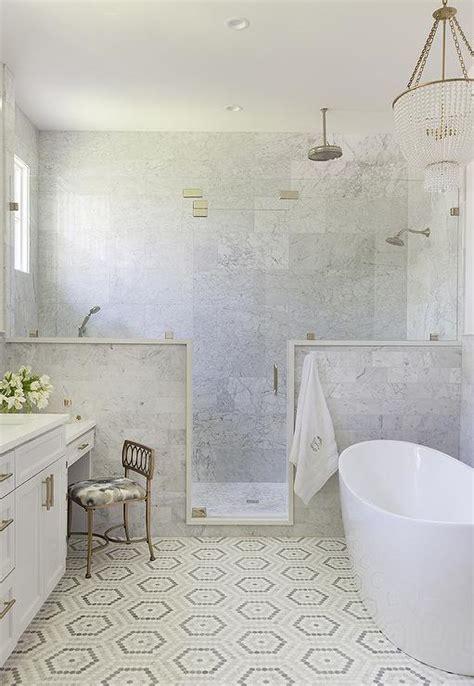 Bathroom Vanities That Sit On The Floor