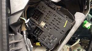 Chevy Tahoe 2001-2006 Fuse Box Location