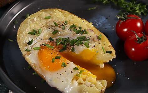 recette pommes de terre farcies  loeuf en video