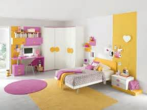 Pale Yellow Bedrooms by Chambre Fille Rose Et Jaune Paihhi Com
