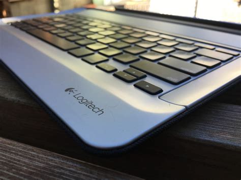 review logitechs keyboard case ipad pro