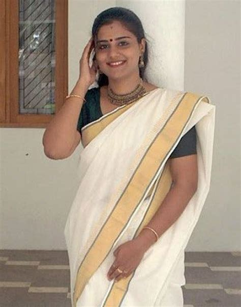 lungi mundu neriyathu set saree blouse wallpapers gallery