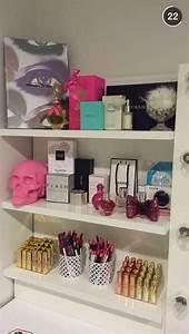 Make Up Schrank : pin by nas on girly girl schminktisch einrichtung ankleidezimmer ~ Frokenaadalensverden.com Haus und Dekorationen