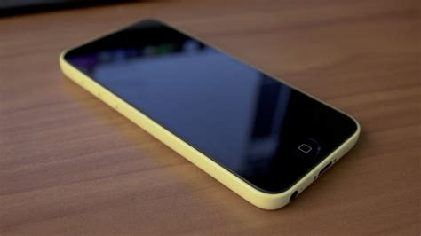 yellow iphone 5c iphone 5c unboxing yellow