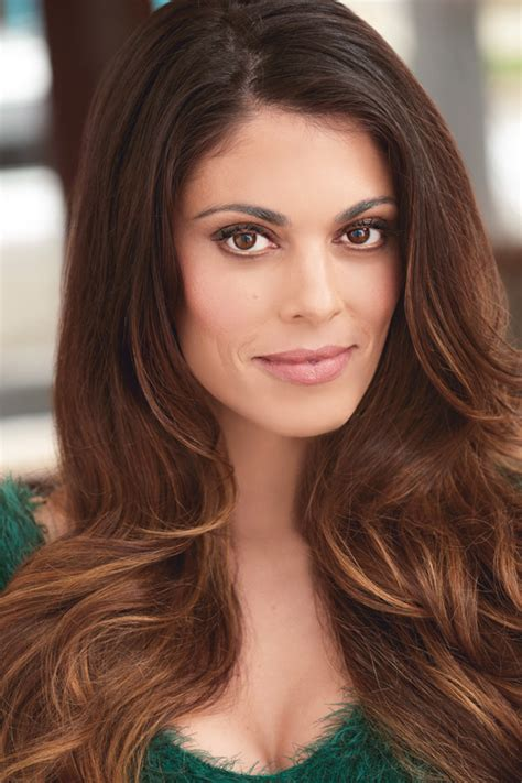 Lindsay Hartley – Art | Music | Entertainment