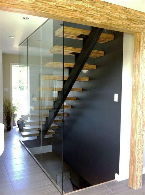 escalier acier bois et panneaux de verre structure