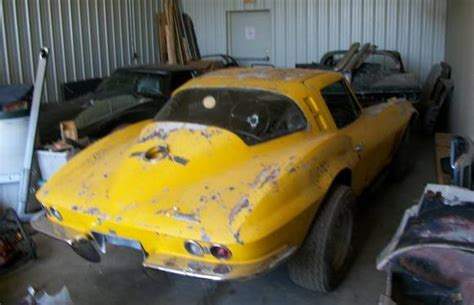 corvette sting ray wrecked  parked