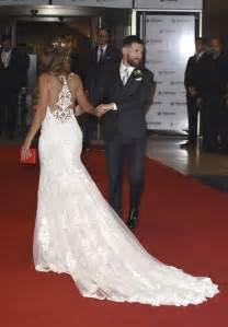 asos mariage el vestido de novia de la mujer de messi antonela rocuzzo es de la diseñadora española rosa clará