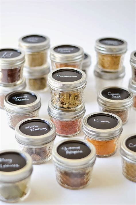 Mini Spice Jars by Best 25 Spice Containers Ideas On Mini