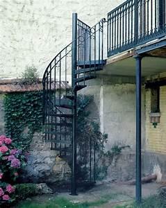 dh34 spir39decor larme escalier exterieur metallique With maison avec escalier exterieur 2 ferronnerie rampe