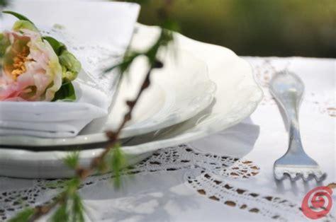 tavola apparecchiata per matrimonio il matrimonio bianco dal sapore vintage casa e trend
