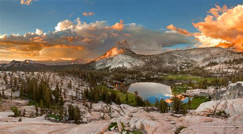 Yosemite National Park Tioga Pass Rd California Usa