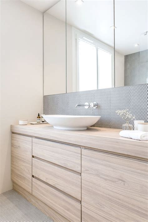 Large Bathroom Cabinets With Mirror by 25 Best Ideas About Bathroom Mirror Cabinet On