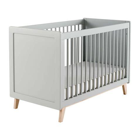 chambre fille pastel lit bébé à barreaux en bois gris l 126 cm maisons