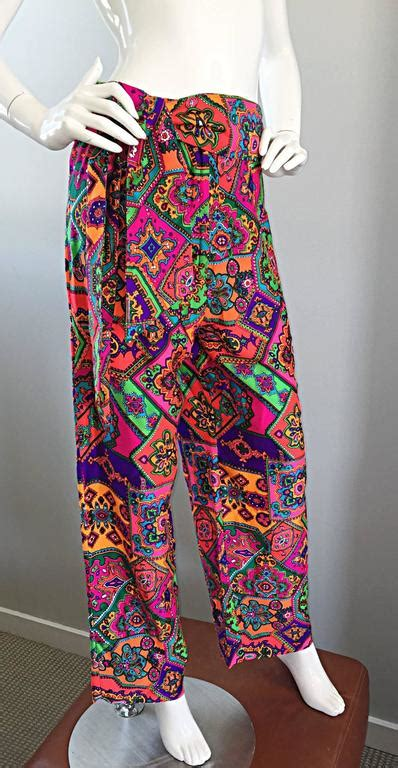 amazing  alex coleman colorful gegometric  paisley