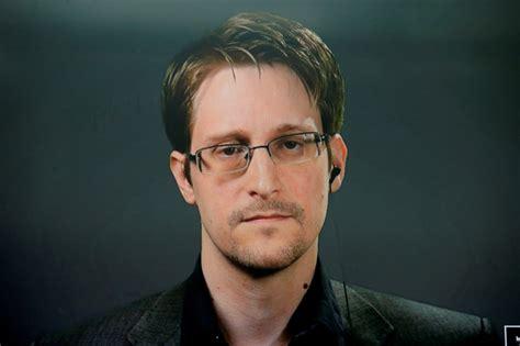 Snoudens lūdz Makronam piešķirt viņam politisko patvērumu ...
