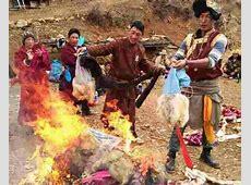 Tibetans in Yunnan Give Up Wearing Animal Skins, Burn