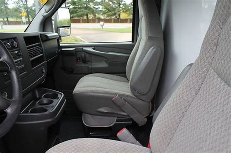 how can i learn about cars 2009 gmc sierra 1500 navigation system find used 2009 gmc 3500 savana box truck cube van 16 foot 1 ton cargo huge selection in