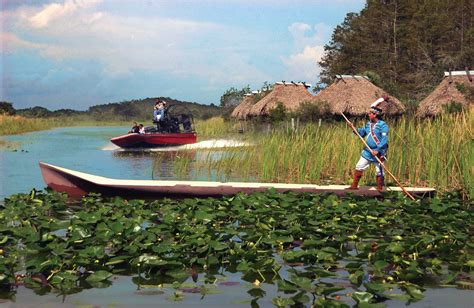 Everglades Airboat Tours Seminole by Seminole Indians In The Florida Everglades The Ultimate