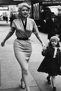 1843 best images about Iconic Fashion Moments on Pinterest ...