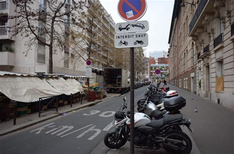 amende stationnement trottoir bient 244 t 135 d amendes pour les motos gar 233 es sur les trottoirs moto journal