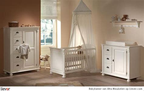 babykamer suze babykamer baby s pinterest babykamer commodes en kasten