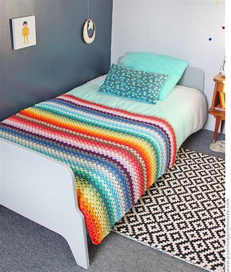 tapis aquadoodle arc en ciel la couverture rainbow au crochet diy pour mes jolis m 244 mes mais pas que