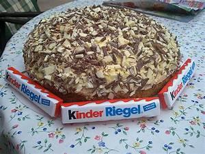 Backen Mit Kinderschokolade : kinderriegeltorte von vollzeitmama ~ Frokenaadalensverden.com Haus und Dekorationen