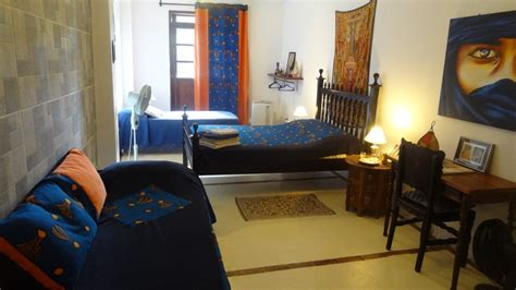 chambre marocaine chambre marocaine bleu indigo chambres d 39 hôtes b b