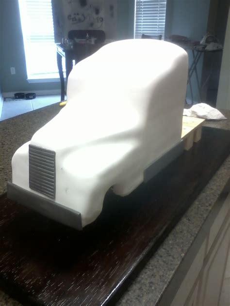 semi truck grooms cake  sculpted cake