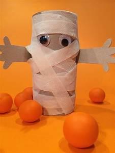 Gruselige Bastelideen Zu Halloween : mumie aus einer papprolle und toilettenpapier f r ~ Lizthompson.info Haus und Dekorationen