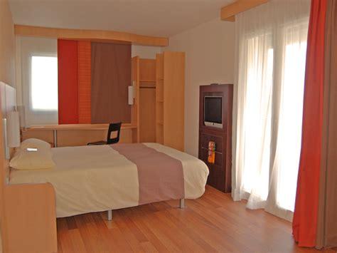 chambre hotel ibis hébergement groupe hôtel ibis caen centre port de